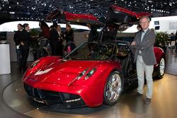 Pagani Huayra live in Geneva with company founder Horacio Pagani - 01.03.2011